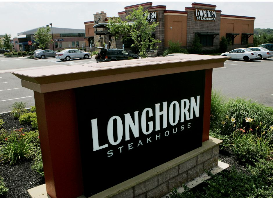 **PLEASE HOLD FOR DAN GOODMAN**A Longhorn Steakhouse restaurant is seen Monday, July 21, 2008, in Hamilton, N.J. (AP Photo/Mel Evans)