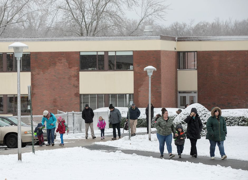 Thomas Hooker Elementary School students are dismissed at the end of the school day, Mon., Dec. 2, 2019. Dave Zajac, Record-Journal
