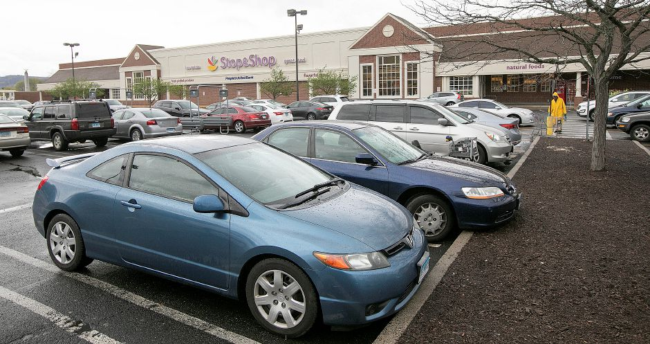 Parking lot filled with customers at Stop & Shop on Broad Street in Meriden, Mon., Apr. 22, 2019. The store reopened after five unions and grocery management came to an agreement on contract terms Sunday evening. Dave Zajac, Record-Journal