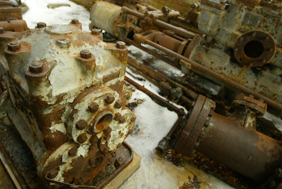 Corroded machinery in the power plant building of the defunct Factory H off Cherry Street in Meriden January 10, 2006. (dave zajac photo)