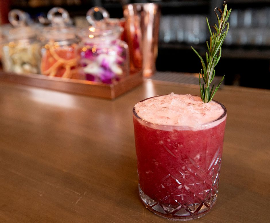 A Blackberry Blaze cocktail at Que Whiskey Kitchen, a barbecue restaurant and whiskey bar located at 461 Queen St, Southington, Wed., Mar. 13, 2019. Dave Zajac, Record-Journal