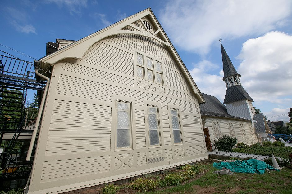 The newly painted west side of Plantsville Congregational Church, Tuesday, Oct. 9, 2018. Dave Zajac, Record-Journal