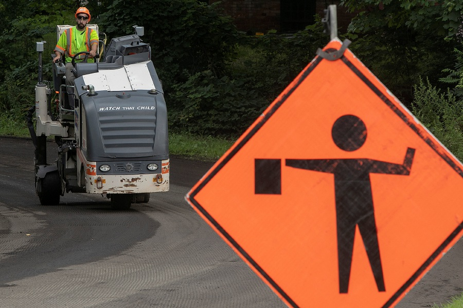 Road crews continue work on Pomeroy Avenue in Meriden, Tuesday afternoon, August 14, 2018. Dave Zajac, Record-Journal