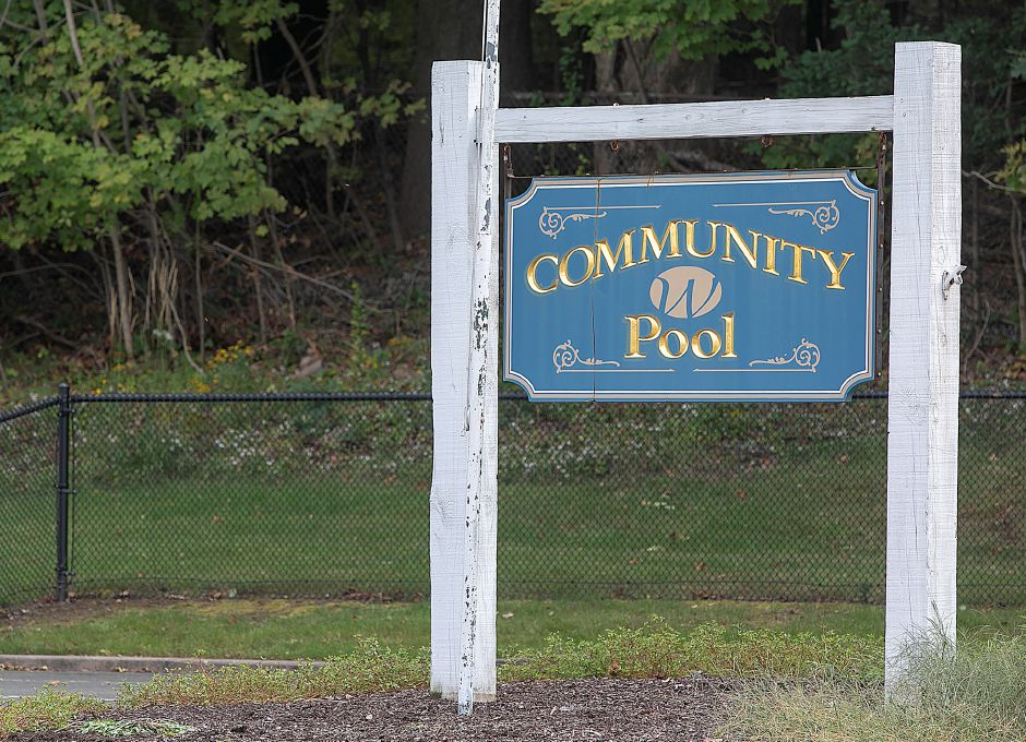 The Wallingford Community Pool, Thursday, Sept. 27, 2018. Dave Zajac, Record-Journal