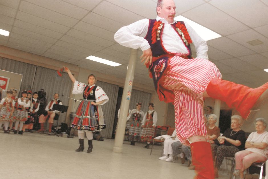 A performance by Polish dance troupe Mazowsze in Wallingford, May 1999.