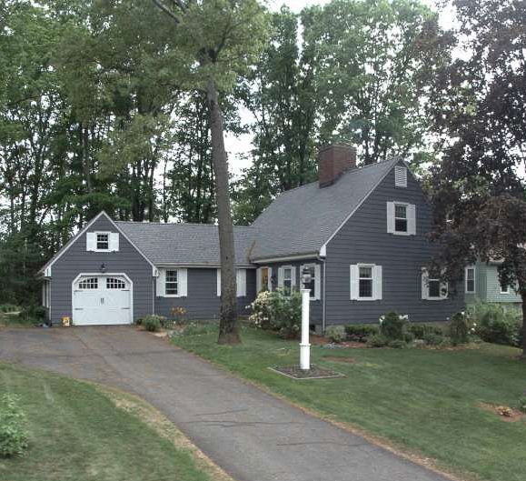 Laurie-Jean Novi to Jason Francis and Mary Malloy, 174 Beechwood Drive, $352,000.
