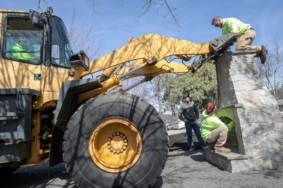 Winterberry Gardens workers set up to move an outdoor chimney while preparing the 2070 West St. business for opening in Southington, Wed., Mar. 27, 2019. Winterberry Gardens opens Monday April 1. Dave Zajac, Record-Journal