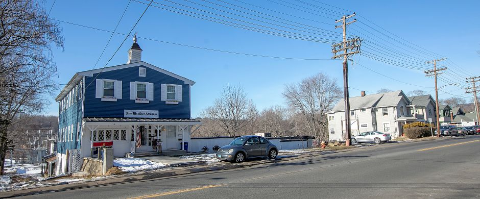 Fair Weather Antiques, 763 Hanover Rd., Meriden, Fri., Jan. 24, 2020. Local, state and federal agencies are investigating after a man was found dead in an apartment containing hazardous chemicals above the shop. Dave Zajac, Record-Journal.