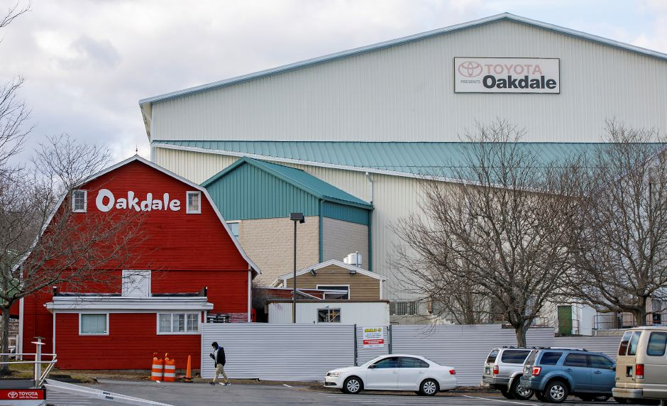 The Toyota Oakdale Theatre in Wallingford, Mon., Jan. 18, 2021. The Toyota Oakdale Theatre has appealed to the Public Utilities Commission to waive about $1,000 in late fees on its electric bill. Dave Zajac, Record-Journal