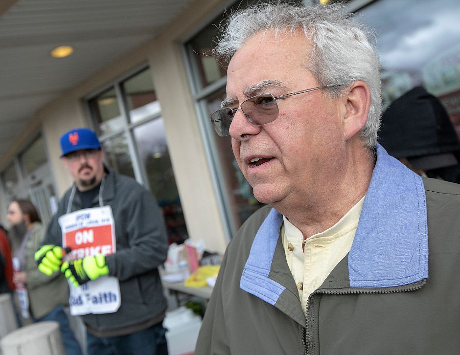 Scott Germain, of Wallingford, a retired Stop & Shop manager, speaks in support of employees at the Wallingford store, Mon., Apr. 15, 2019. Dave Zajac, Record-Journal