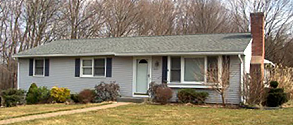 Francis M. Rossi and Mary M. Rossi to Adam Gould and Brooke Baldwich, 309 Sharon Drive, $300,000.