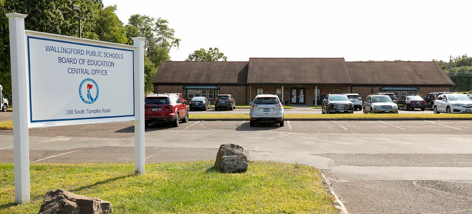 The Wallingford Public Schools central office building at 100 S. Turnpike Rd., Wallingford., Mon., Sept. 21, 2020. In a little more than seven months, the lease is set to expire on the Wallingford Public Schools central office building. Dave Zajac, Record-Journal