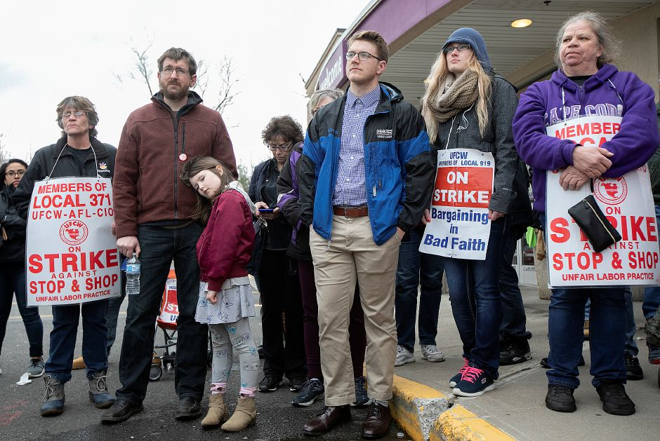 Stop & Shop employees on strike in Wallingford listen to U.S. Sen. Richard Blumenthal D-Connecticut, Mon., Apr. 15, 2019. Dave Zajac, Record-Journal