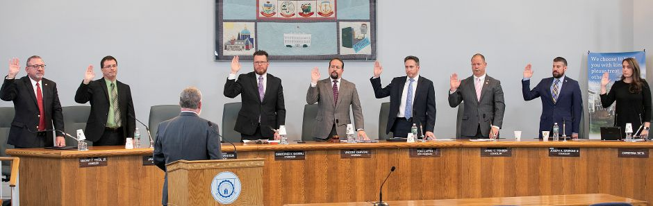 Wallingford Town Council members are sworn in by Judge of Probate Philip A. Wright, Jr. during a special Town Council meeting at Wallingford Town Hall, Mon., Jan. 6, 2020. Dave Zajac, Record-Journal