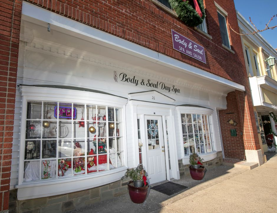 Body & Soul Day Spa on North Main Street in Wallingford is seen on Dec. 20, 2019. The business won the Best Overall award in the Quinnipiac Chamber of Commerce Holiday Window Display Contest. Dave Zajac, Record-Journal