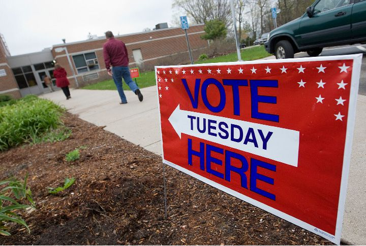 Voters head to the polls at Yalesville Elementary School in Wallingford in this 2016 file photo. Connecticut voters who are registered with one party but want to vote in a different party's presidential primary must do so by this Tuesday, Jan. 28. | Dave Zajac / Record-Journal