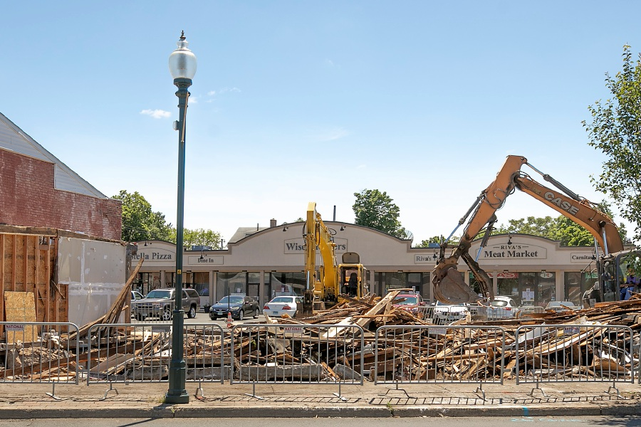 The former T-Bonz Bar & Grill is demolished along Quinnipiac Street in Wallingford. Dave Zajac, Record-Journal